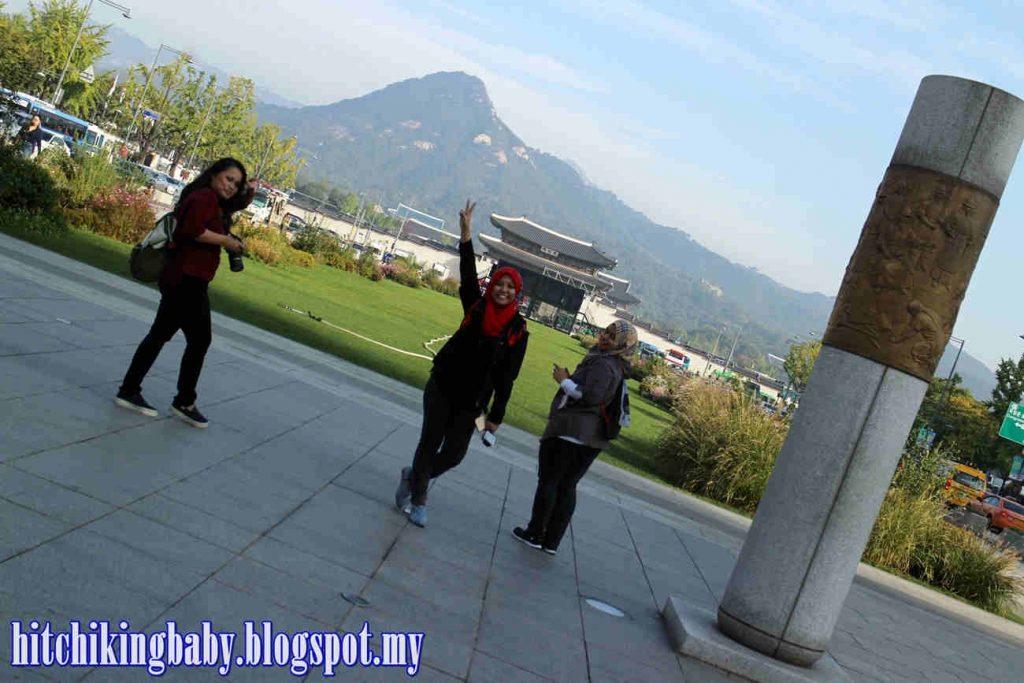 gwanghwamun-square-and-gyeongbukgong-palace